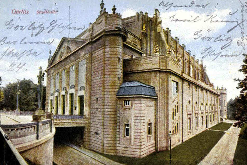 Die Stadthalle zur Zeit ihrer Entstehung.
