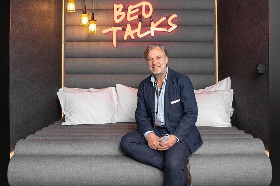 """Hier findet bald die branchenübergreifende Talk-Runde """"Bed Talks"""" statt. Hotel-Chef Joost Serrarens (57) wärmt das Bett schon mal vor."""