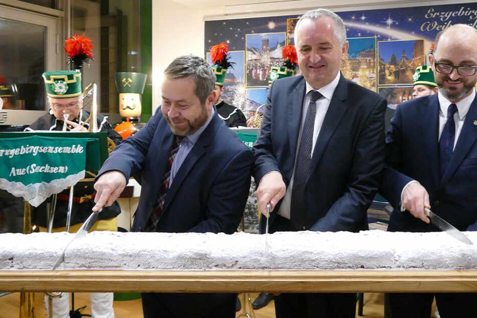 Weihnachtsmarkt mit Stollenanschnitt eröffnet: Erzgebirgs-Flair in Brüssel