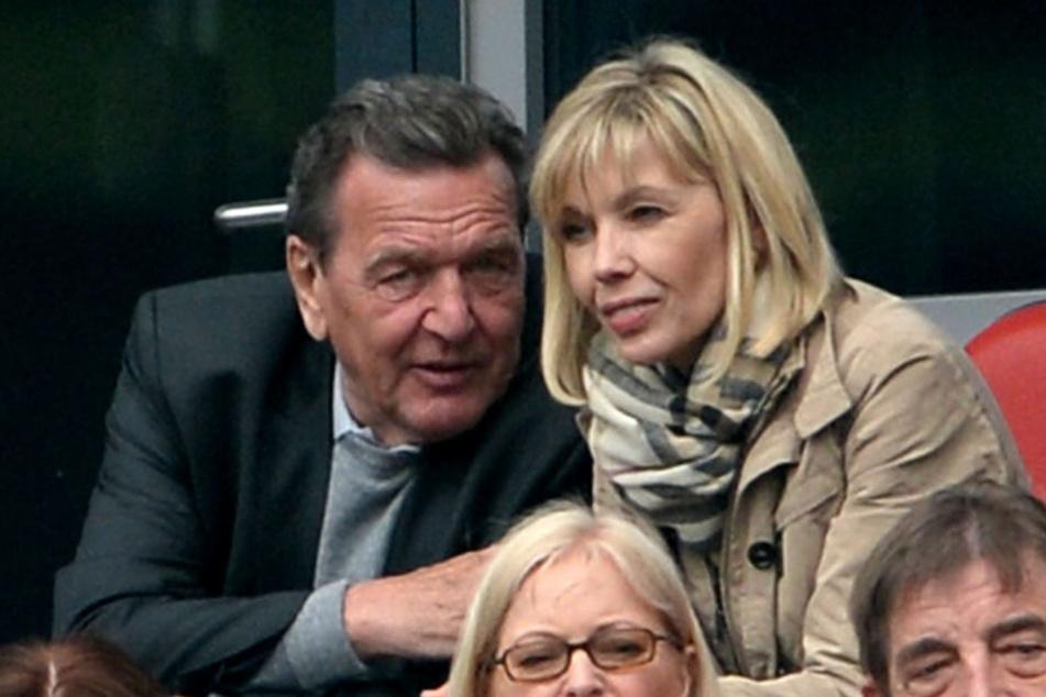 18 Jahre waren Gerhard Schröder und seine Doris verheiratet. Im März 2017 wurde die Trennung bekannt.