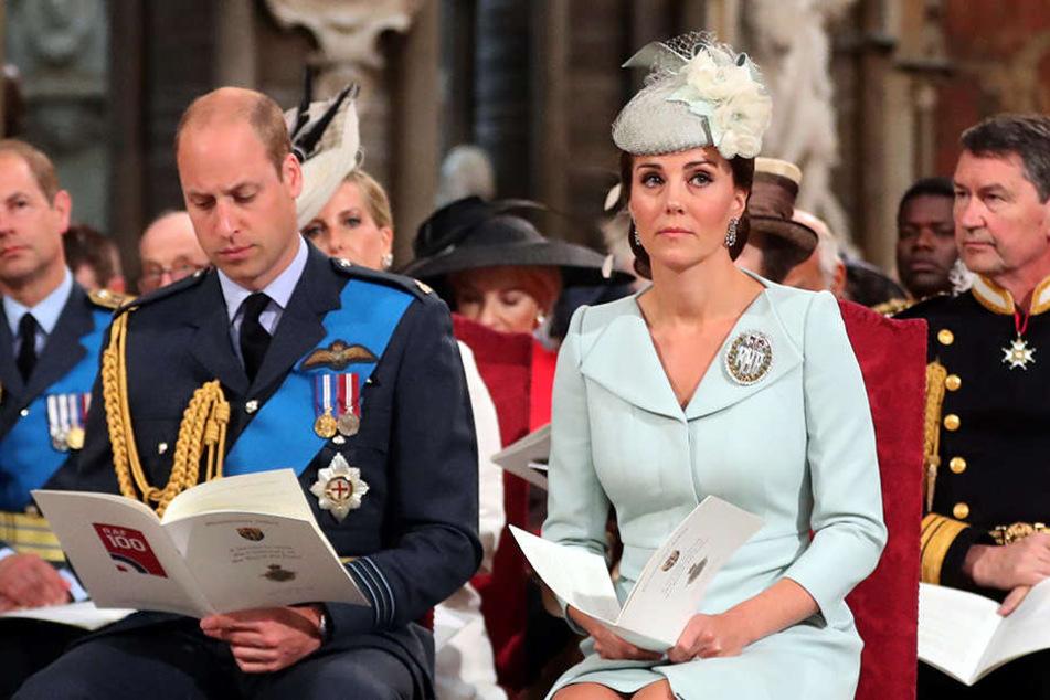 Trennung auf Zeit: Während sich Kate um die Kinder kümmert, reist William durch Afrika.