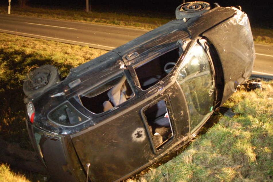 Der Fahrer (34) hatte 1,42 Promille intus und überschlug sich mit seinem Opel Corsa mehrfach.