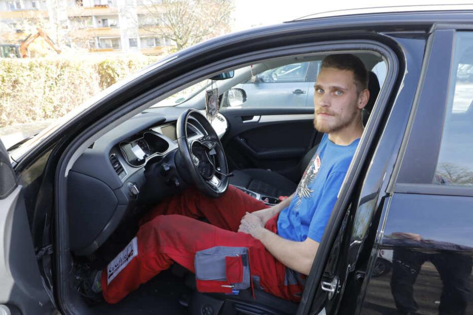 Entsetzt über den Airbag-Diebstahl: Eishockey-Spieler Christoph-Martin Wegner (22) entdeckte den dreisten Autoaufbruch am Morgen.