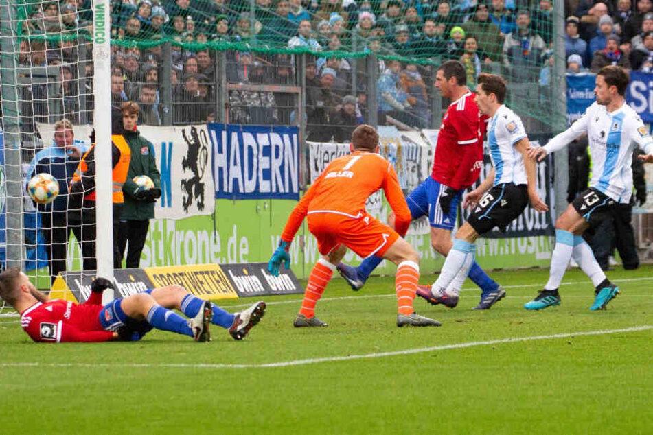 Dominik Stroh-Engel machte für Unterhaching den ersten Treffer der Partie.