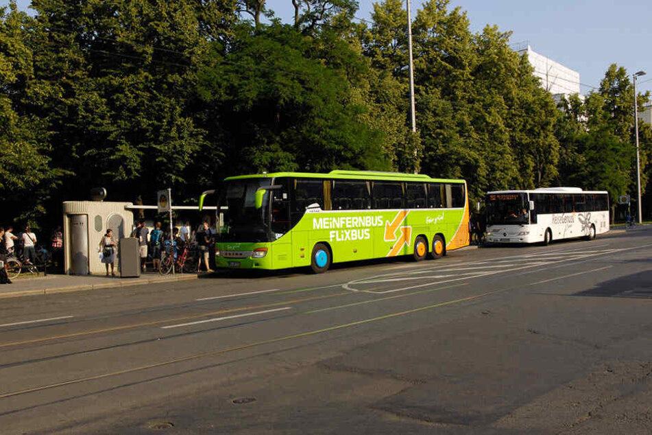 An der Bushaltestelle in der Goethestraße hatten sich zwei Fahrgäste einen handfesten Streit