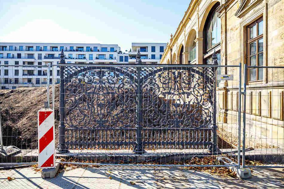 Auch die alten Zäune werden detailgetreu wieder aufgestellt.