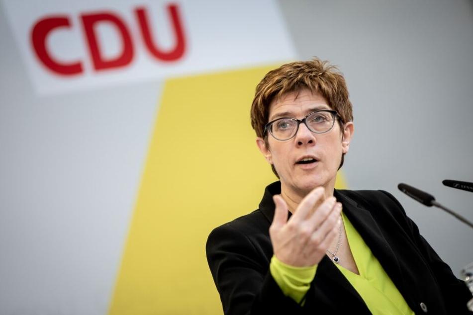 Annegret Kramp-Karrenbauer lehnt eine Koalition mit AfD und Linken ab.