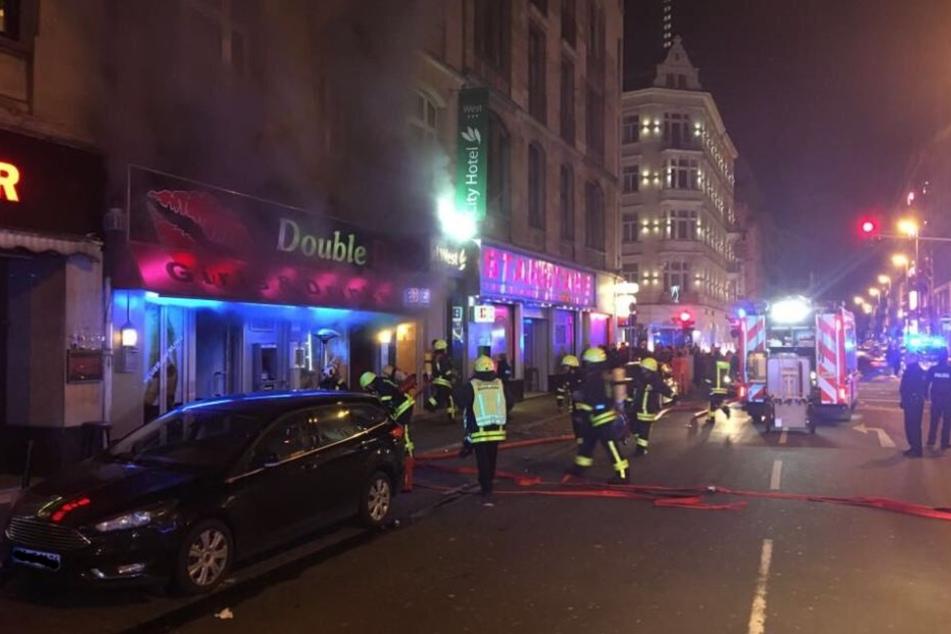 Feuerwehr evakuiert Hotel im Bahnhofsviertel