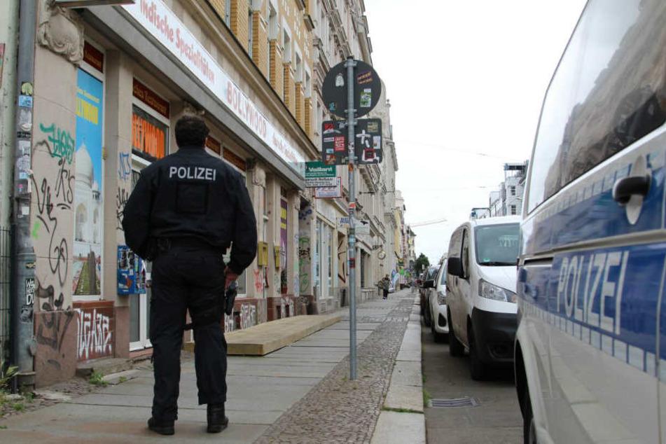 In mehreren Orten in Mitteldeutschland geht die Polizei seit Mittwochmorgen gegen Schleuser vor.