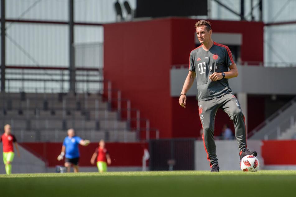 Miroslav Klose trainiert die U17 des FC Bayern München.