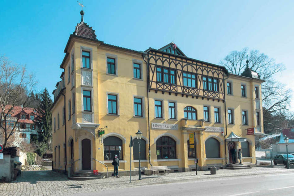 An diesem Haus an der Pillnitzer Landstraße sollte die Geldübergabe stattfinden. Doch die Polizei war auch vor Ort.