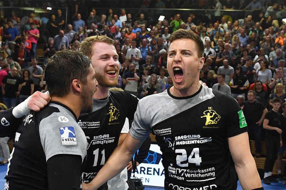 Robin Hoffmann (r.) will heute mit seinen HCE-Teamkollegen den Sieg gegen Hamburg feiern. Dafür müssen sie die Zweikämpf annehmen und gewinnen.