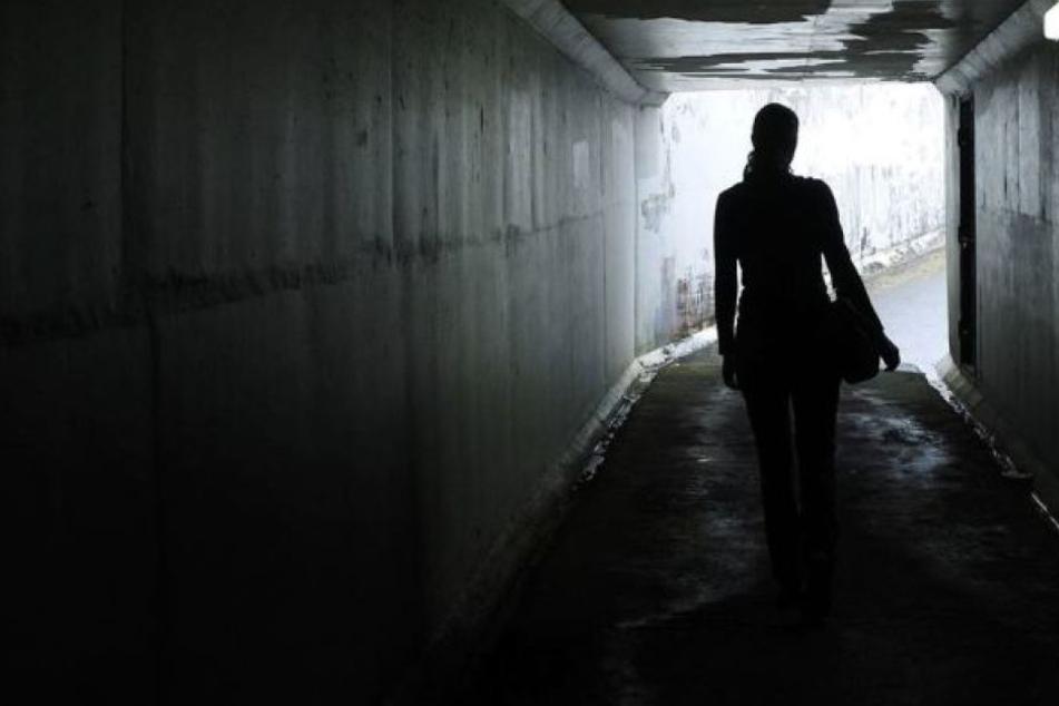 Die Frau wurde im August 2017 von vier Eritreern hinter einer Schule vergewaltigt.