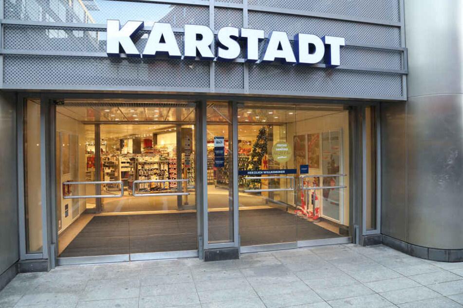 Tatort Karstadt: Die Polizei wertet derzeit die Spuren aus.