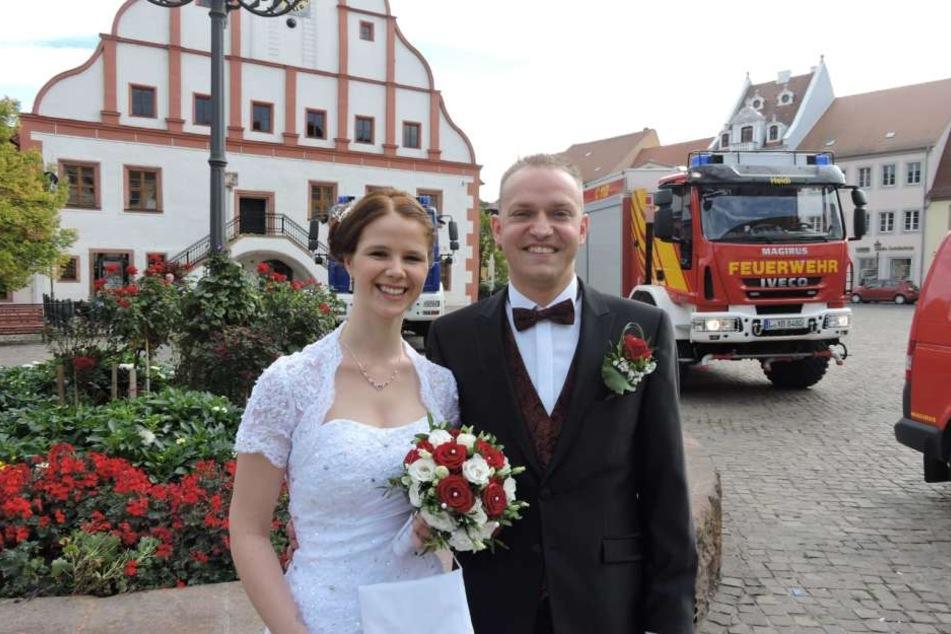Und das sind die glücklichen Eheleute: Nadine (28) und Tommy Schmidt (34).
