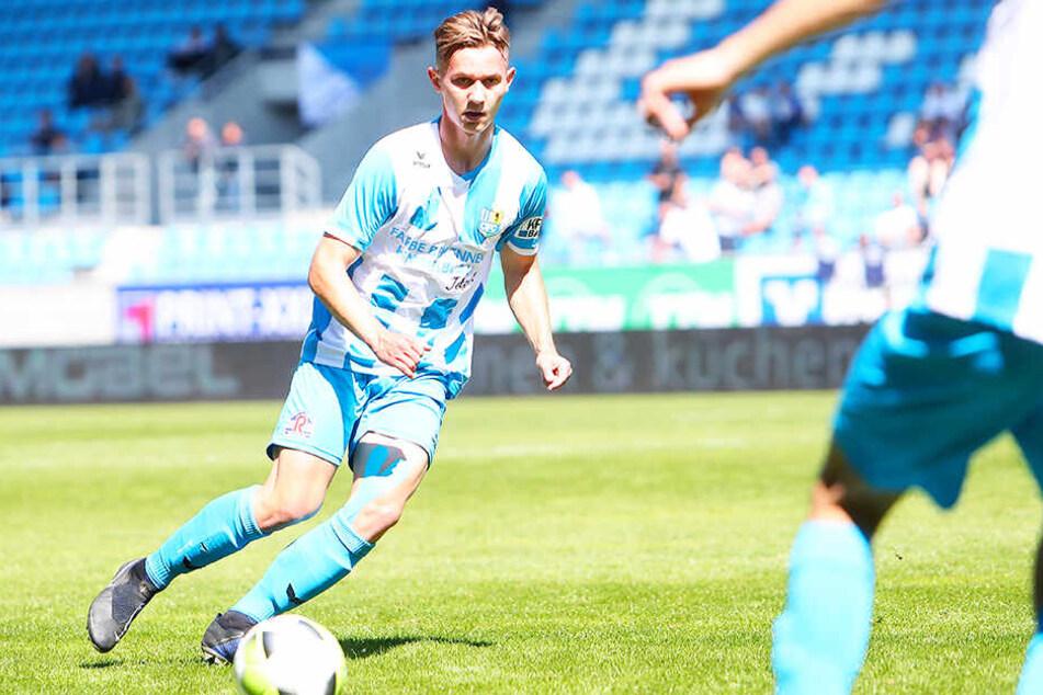 Erik Tallig wird die A-Jugend im Kampf um den Bundesliga-Aufstieg unterstützen.