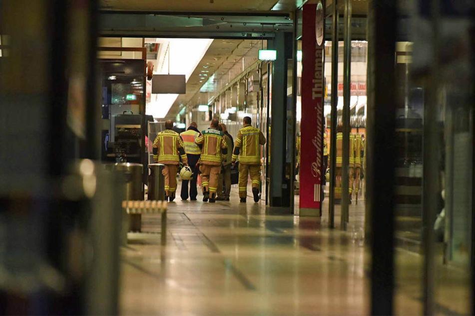 Ermittler gehen davon aus, dass Unbekannte eine übel riechende Substanz im Gebäude verteilt hatten.