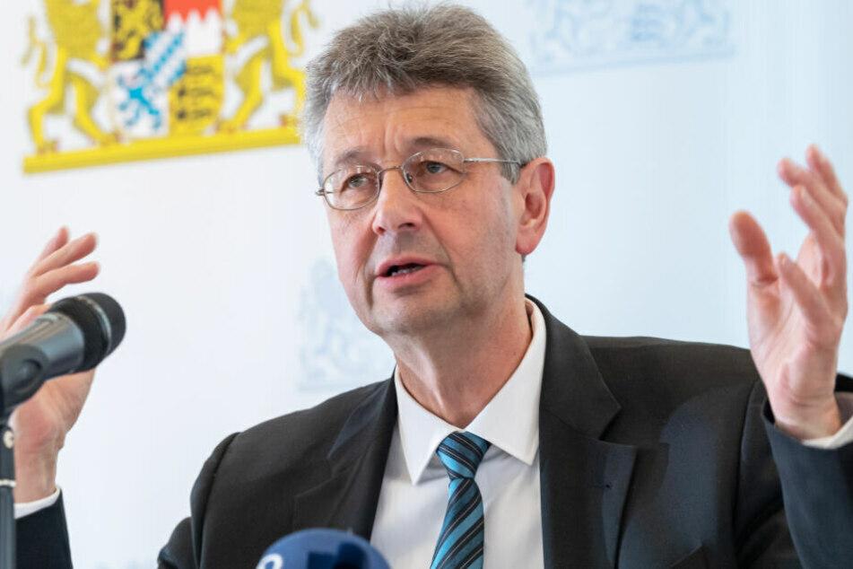 Kultusminister Michael Piazolo (61, Freie Wähler) gesteht kleine Probleme bei der Umstellung ein. (Archiv)