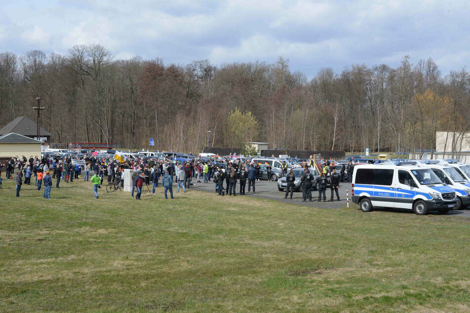 Bei der Corona-Demo nahmen offenbar knapp 300 Personen teil.