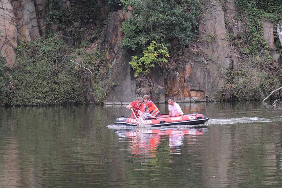 Rettungskräfte konnten den 13-Jährigen nach kurzer Zeit aus dem Wasser bergen.