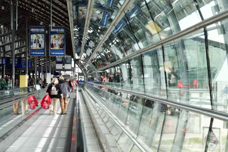 Auch in Klebebandrollen fanden die Beamten Metamphetamin. Beide Entdeckungen wurden am Flughafen Leipzig/Halle gemacht.
