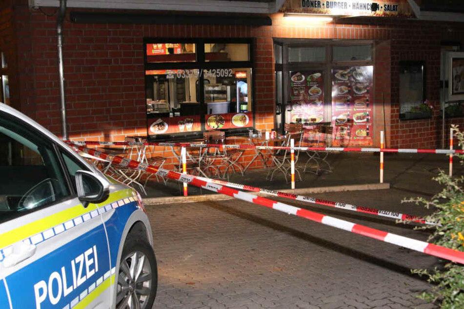 Die Polizei hatte den Imbiss zur Spurensicherung abgesperrt.