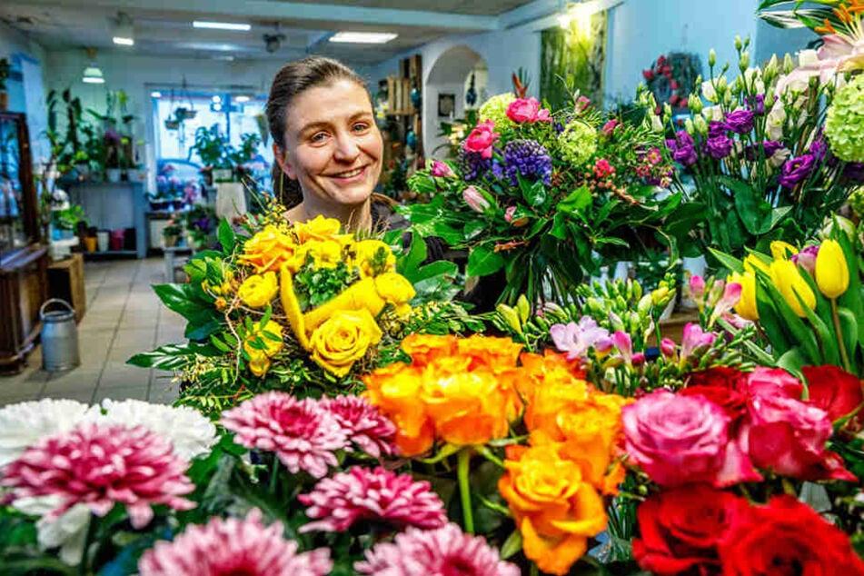 Blumen-Trache-Inhaberin Silke  Hoffmann (44) freut sich auf viele Männerbesuche am Frauentag.