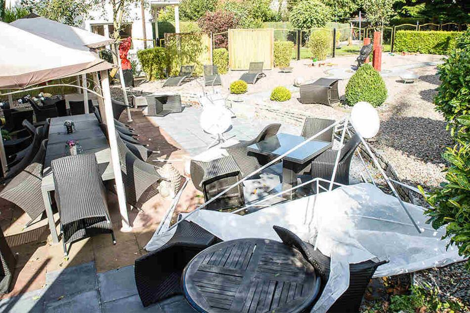 Der Garten von Dr. Frederick de Brabandt fiel dem Sturm zum Opfer.