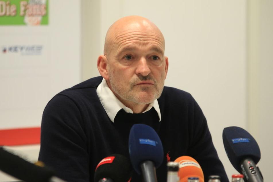 Bei der Pressekonferenz am Montag wurde Emmerling vorgstellt.