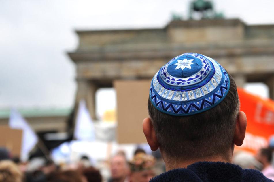 """Nach Angriff auf Israeli: """"Berlin trägt Kippa"""" gegen Antisemitismus"""