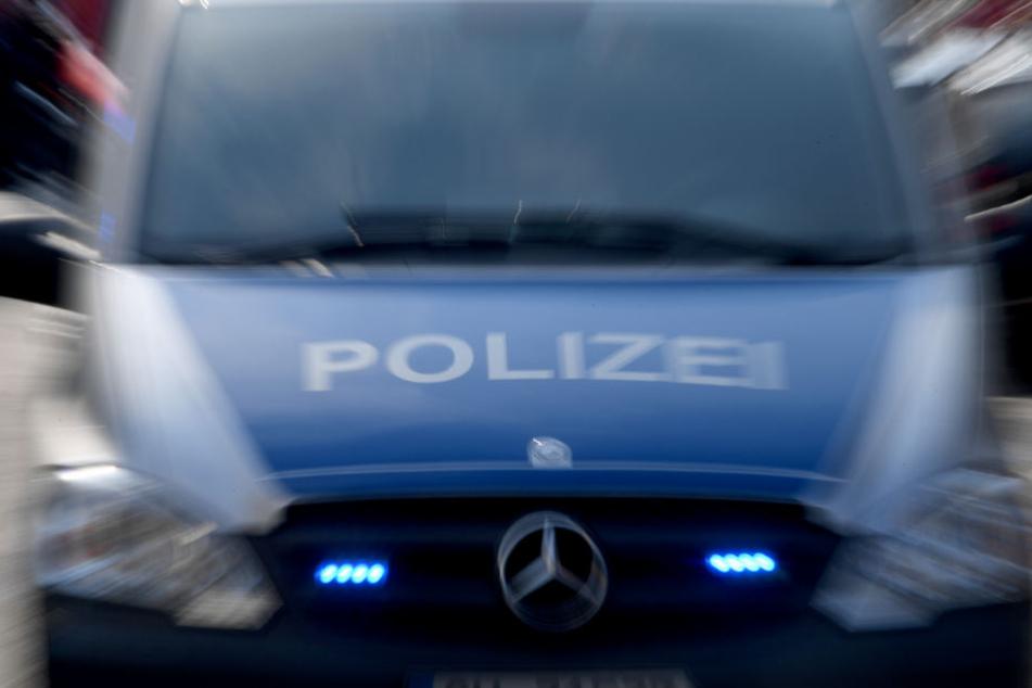 Auf frischer Tat ertappte die Polizei die Einbrecherbande. (Symbolbild)