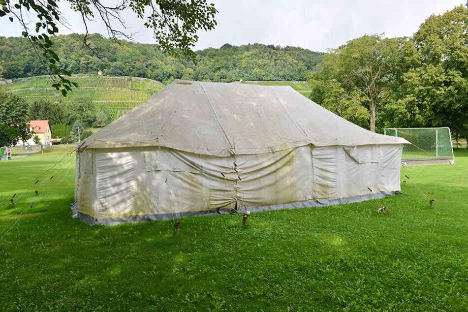 In diesem Zelt mussten sich die Sportler bisher teilweise umziehen.