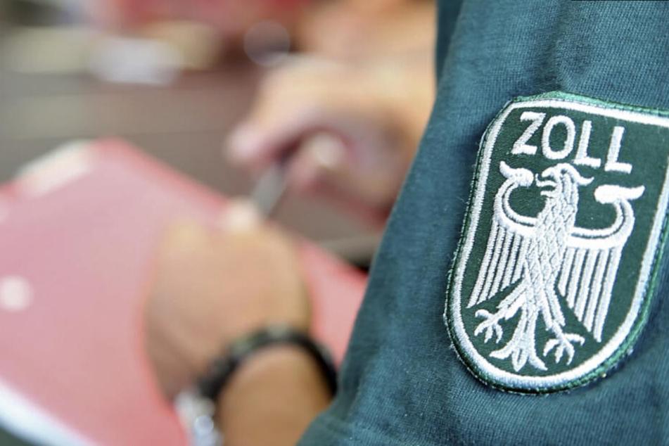 Reichsbürger, Krankenkassen-Betrüger und Schatztruhe: Zoll erlebt Überraschungen