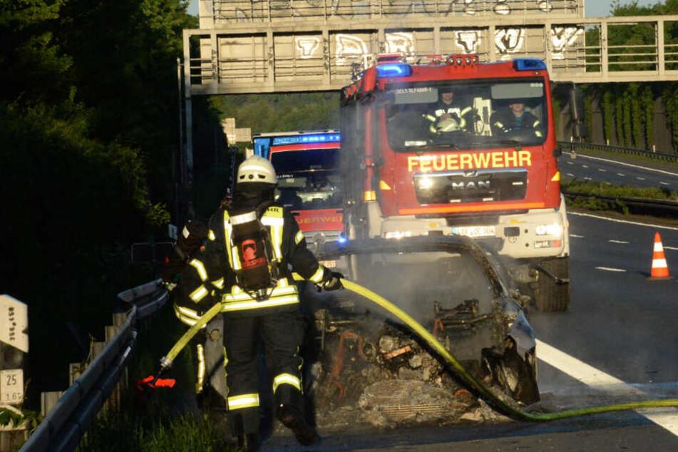 Ein britischer BMW ging in Flammen auf.