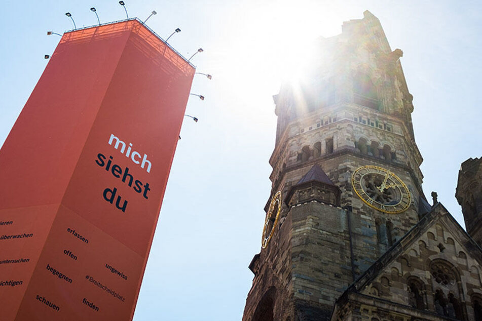 """Jedes Jahr besuchen rund 1,3 Millionen Menschen die Gedächtniskirche. Auch zum Kirchentag in Berlin werden viele in die City-West strömen, um den """"hohlen Zahn"""" in Augenschein zu nehmen."""