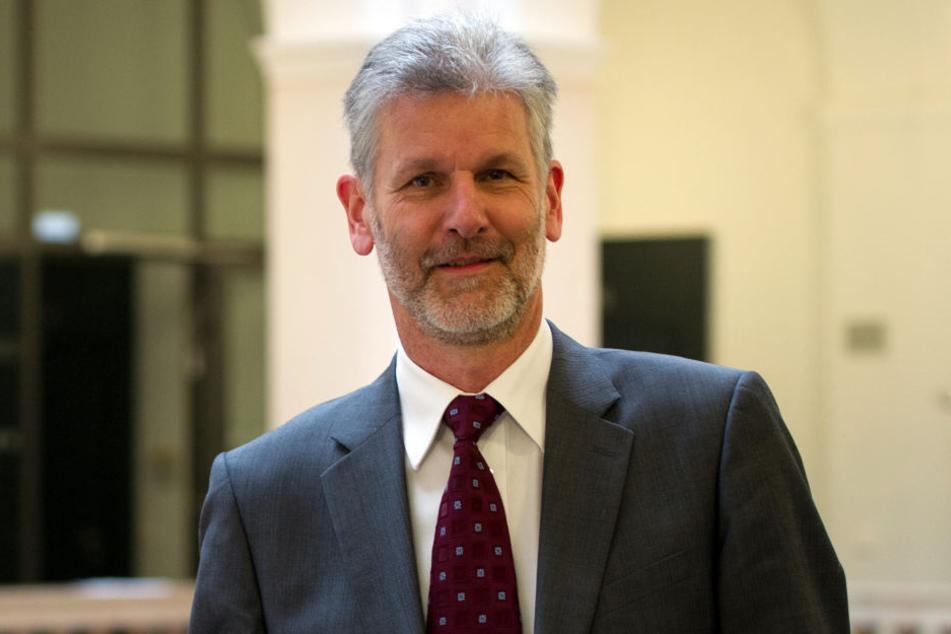 Landgerichtspräsident Gilbert Häfner (62) sieht in den Aussagen Maiers einen Verstoß gegen das Mäßigungsgebot.