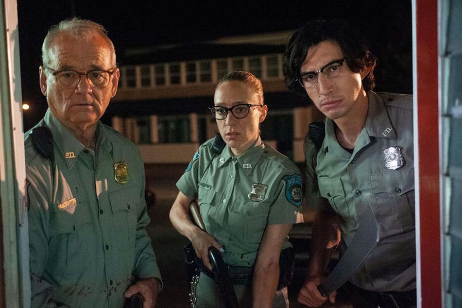 Die Polizisten Cliff Robertson (l., Bill Murray),Mindy Morrison (M., Chloe Sevigny) und Ronald Peterson (Adam Driver) müssen sich unzähliger Zombies erwehren.