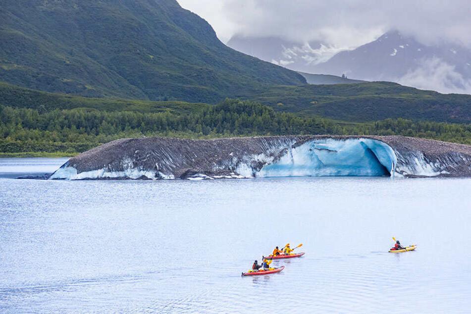 Deutsche? Drei Touristen sterben in Alaska auf Gletschersee