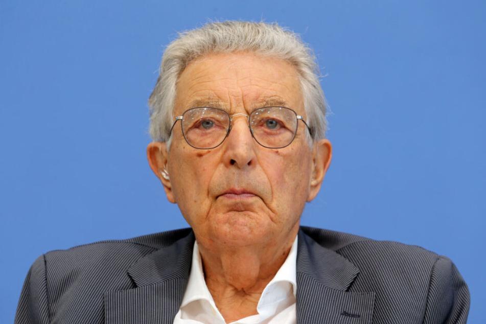 Der ehemalige Bundesinnenminister Gerhart Baum kritisiert die Wahl von Thüringens neuem Ministerpräsidenten scharf.