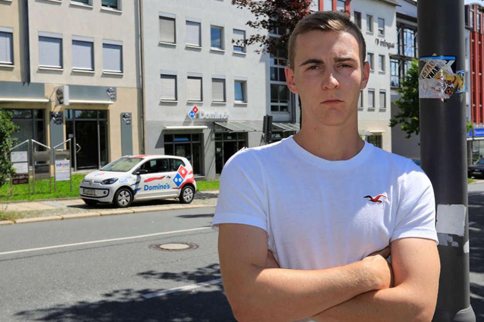 Patrick V. (19) ist sauer, wartete nach eigener Aussage wochenlang auf seinen  Lohn.