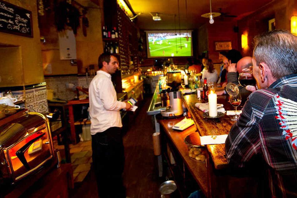 Sky und DAZN einigen sich über Gastronomie-Vertrieb | Fußball