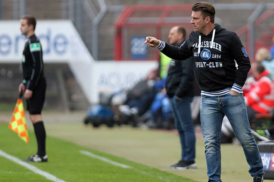"""Lukas Kwasniok coacht derzeit die """"U19"""" des Karlsruher SC. 2016/17 betreute er den KSC zwei Spiele als Interimstrainer in der 2. Liga."""