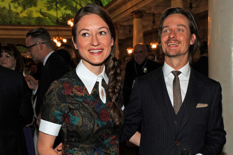 Der Schauspieler Tom Schilling und seine Lebensgefährtin Annie Mosebach feiern nach der 27. Verleihung des Bayerischen Fernsehpreis am 22.05.2015 in München (Bayern).