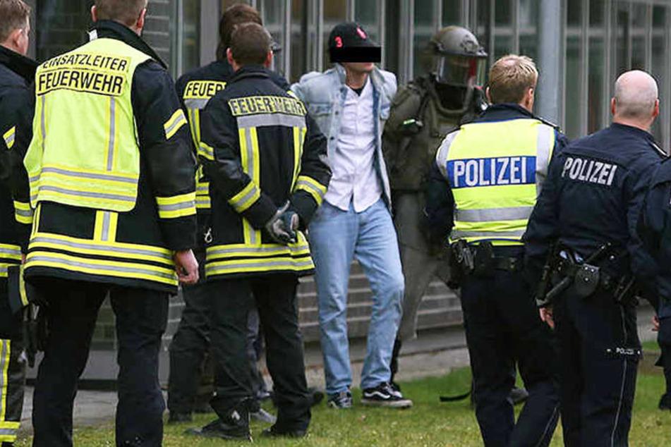 Nach Stunden konnte der Messerstecher überwältigt und festgenommen werden.