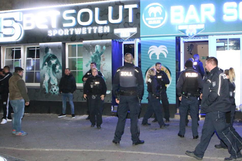 Berlin: Arabische Clans im Fokus! Über 200 Polizeibeamte durchsuchen Shisha-Bars bei Razzia im Wedding