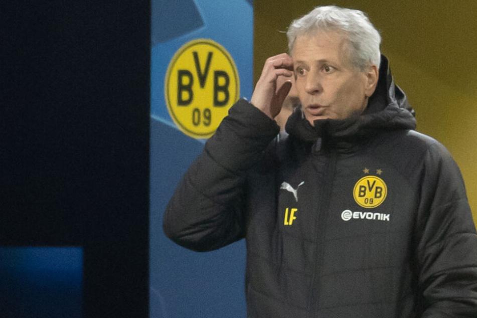 Nicht sicher, ob er gegen Hoffenheim auf der Bank sitzen kann: BVB-Trainer Lucien Favre.