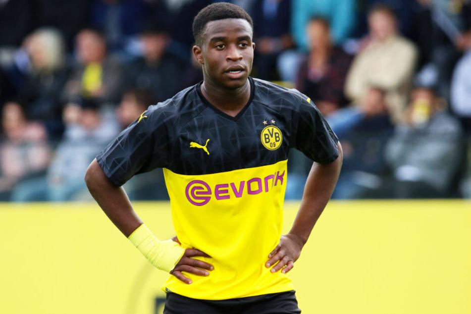 Bis zum ersten Pflichtspieleinsatz von Youssoufa Moukoko müssen sich die BVB-Fans aber noch gedulden. Vor August 2021 darf er nicht zum Einsatz kommen.