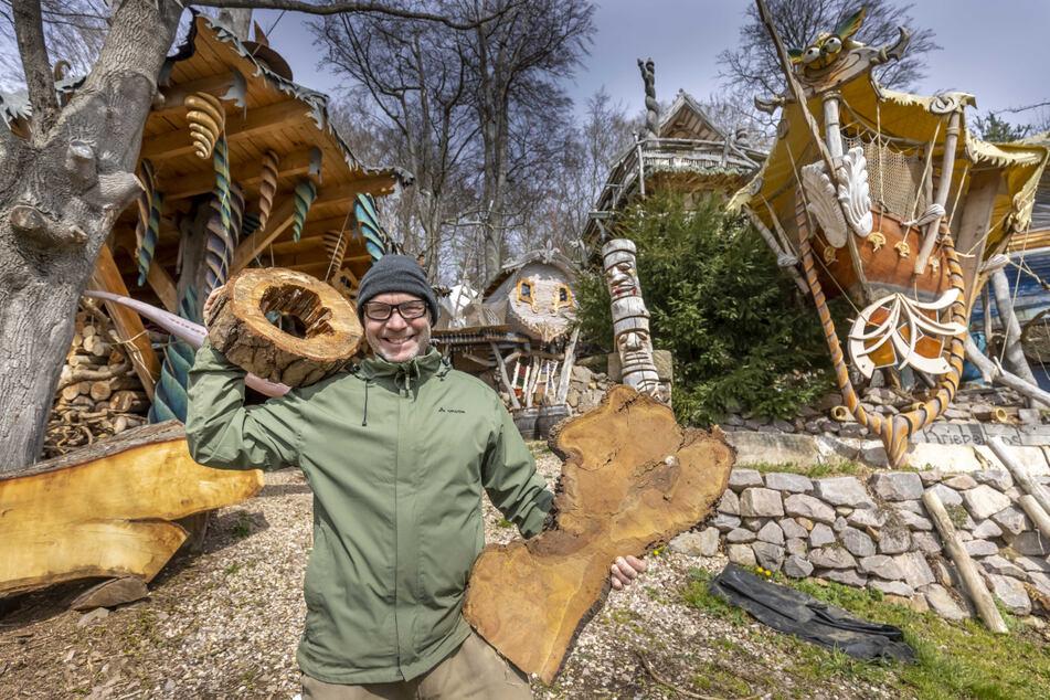 Wer in einem der Baumhäuser übernachten will, muss frühzeitig buchen, sagt Betreiber Steffen Mäding (54).
