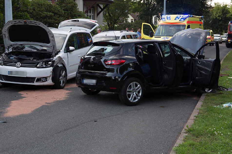 Der Fahrer vom Clio hatte nicht nur Benzin getankt.
