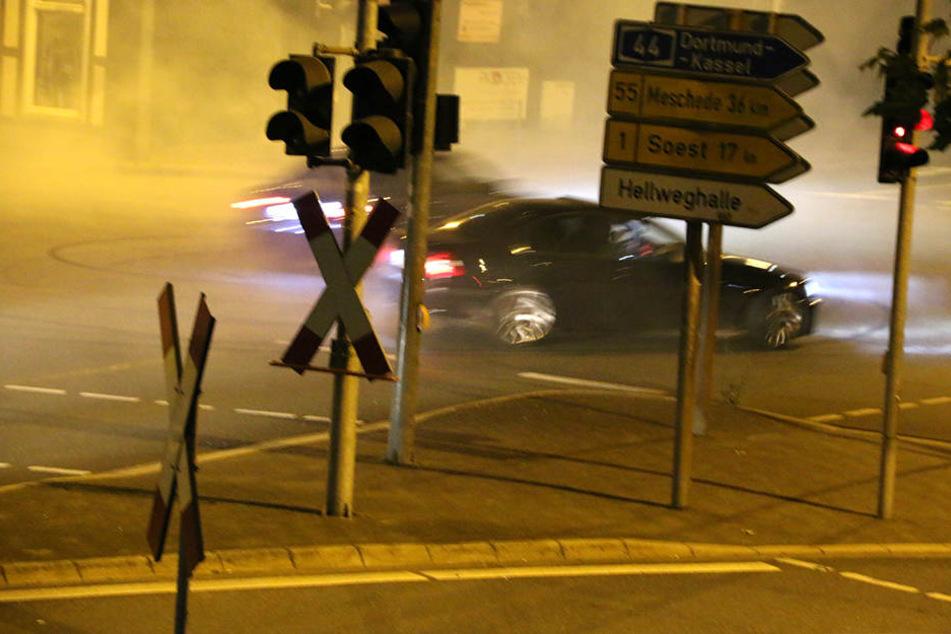 Ein Augenzeuge fotografierte die Fahrer beim Driften.